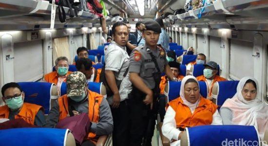 12 Tersangka Suap DPRD Malang Naik Kereta ke Surabaya