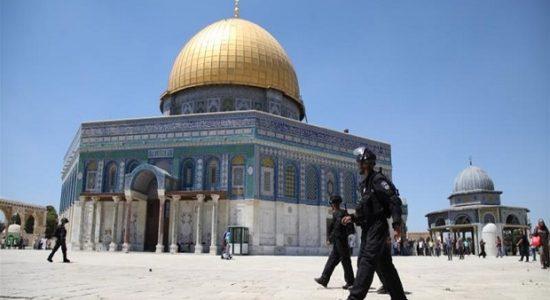 Serang Jemaah di Dalam Masjid Al-Aqsa