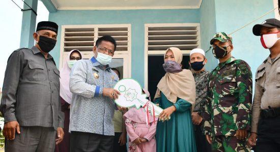 Wali Kota Kembali Serahkan Tiga Rumah Bantuan bagi Duafa