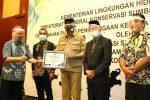 Plt Gubernur Terima Penghargaan Peduli Satwa Liar