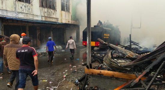 Sejumlah Ruko di Pasar Simpang Tiga Ludes Terbakar