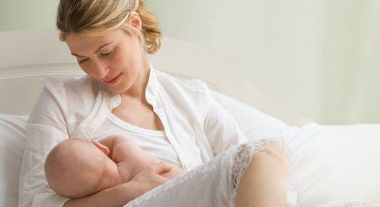 Perlukah Ibu Mencuci Payudara sebelum Memberi ASI pada Buah Hati?