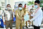 Wali Kota Serahkan Sertifikat Tanah Program PTSL 2020