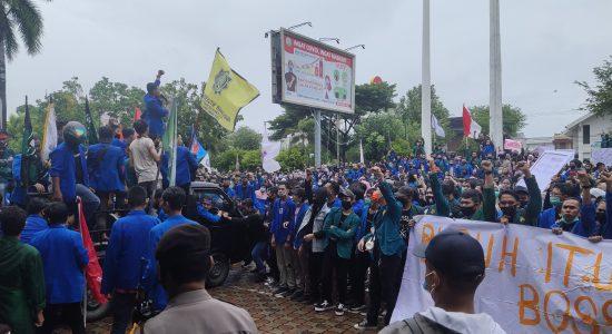 Aksi Tolak UU Cipta Kerja di Aceh
