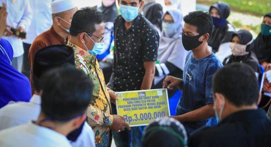 Wali Kota Serahkan Zakat Kepada 1.080 Penerima