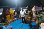 Fraksi Demokrat DPRA Bantu Pengungsi Tanah Bergerak Gampong Lamkleng