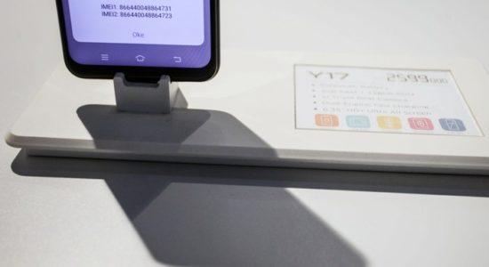 Bea Cukai Incar Pajak iPhone Cs dari Luar Negeri