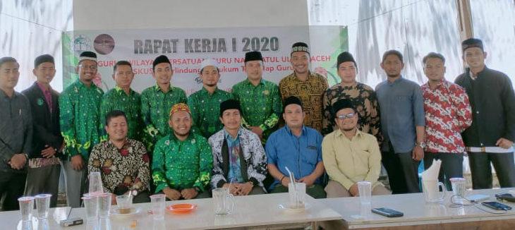 Pergunu Aceh Bahas Perlindungan Hukum Terhadap Guru Dayah