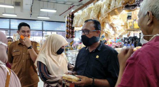 Komisi II DPRK Banda Aceh Cek Harga Barang di Pasar