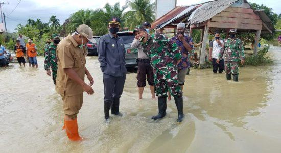 Bupati Nagan Raya Tinjau Banjir di Tripa Makmur