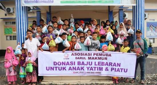 APDM Beli Baju Lebaran untuk Puluhan Anak Yatim Piatu