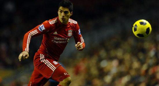 Suarez Lebih Dipuja di Liverpool Dibanding di Barcelona