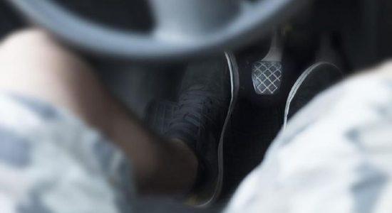 Alasan Kaki Kiri Tak Direkomendasi Injak Rem Mobil Matik