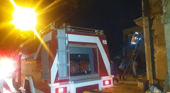 Meunasah Desa Lamgapang Terbakar