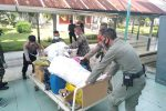 Personel Gabungan Bersihkan Gedung RSUDZA