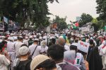 Jika Tak Mau Dibubarkan, Polisi Ancam Tangkap Massa Habib Rizieq