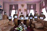 Kadis PPAKB Serahkan Tujuh Penghargaan kepada Bupati