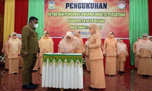 Sri Wahyuna Pimpin Dharma Wanita Persatuan Aceh Besar