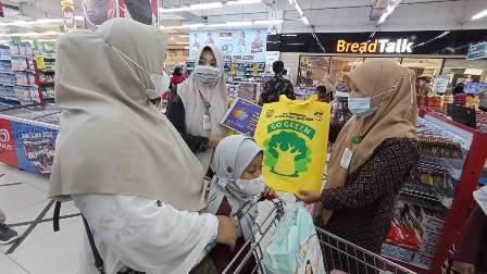 Belanja Pakai Kantong Plastik di Banda Aceh Dikenakan Biaya Tambahan