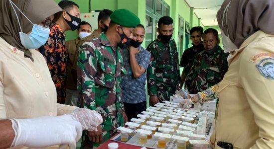Pastikan Bebas Narkoba, Prajurit Kodim Aceh Utara Laksanakan Tes Urine