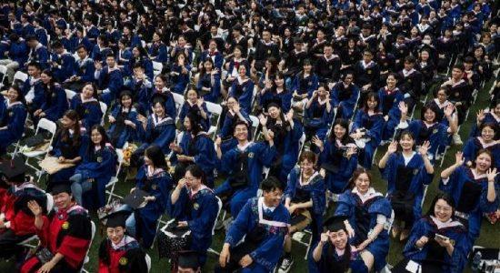 Bebas Covid-19, Wuhan Gelar Wisuda Besar-besaran