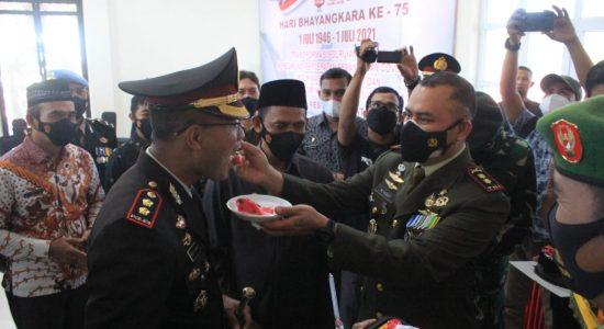 Sejumlah Anggota TNI Lakukan Hal Ini Terobos Mapolres Aceh Selatan