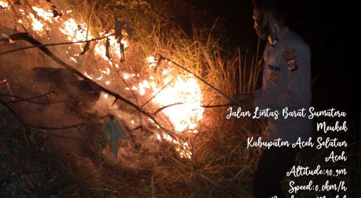 Petugas Berhasil Padamkan Kebakaran Gunung Tuwi Meukek