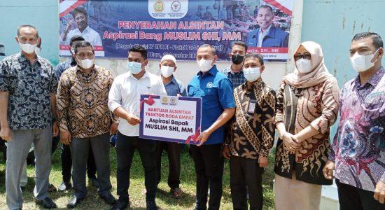 Belasan Poktan di Aceh Utara Terima Traktor dari Kementan
