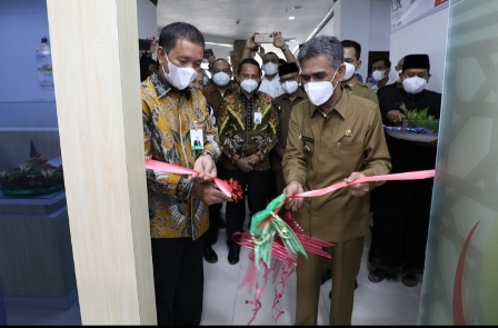 Cek Mad Resmikan Paymen Point Bank Aceh di Kantor Bupati Landing