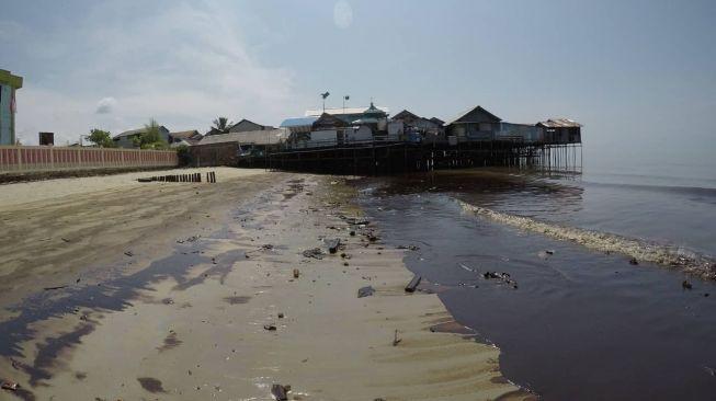 KKP Panggil Pertamina Terkait Tumpahan Minyak di Perairan Kuala Idi