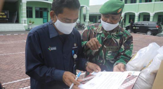 Dukung TMMD, PIM Serahkan Ratusan Paket Sembako
