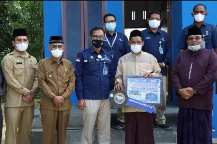 Bupati Saksikan Penyerahan Rumah Bantuan PT PIM untuk Dayah Al-Huda Malikussaleh