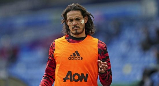 Manchester United Tak Mau Buru-buru Mainkan Edinson Cavani